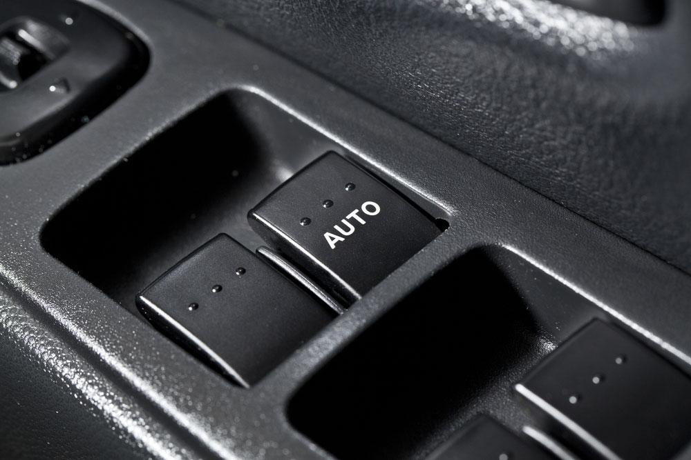 Subaru Power window switch